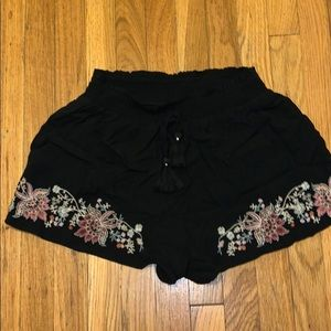 NWOT embroidered cotton shorts
